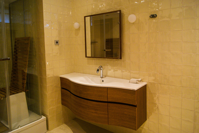 мебель для ванной из дерева на заказ от производителя в москве
